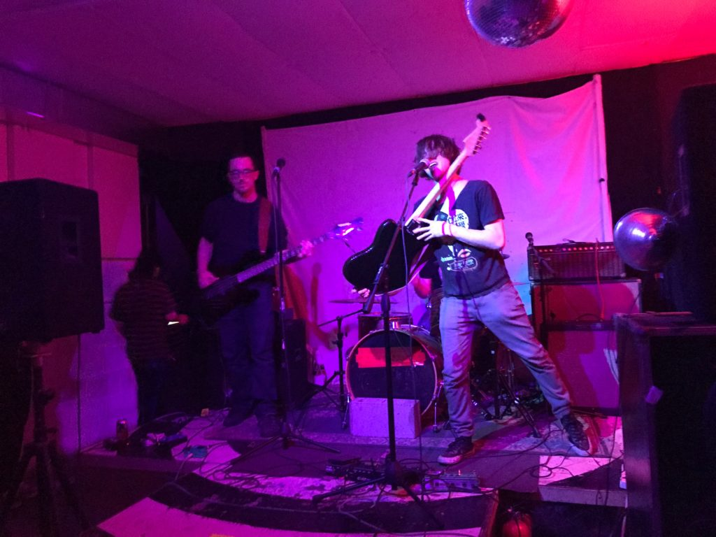 woodhull at the glove